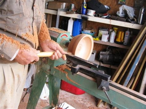Instruction How To Operate A Wood Lathe
