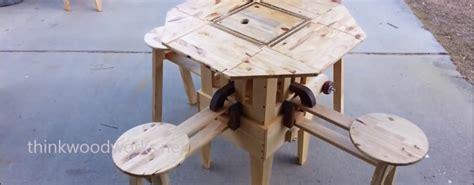 Izzy-Swan-Folding-Table-Plans