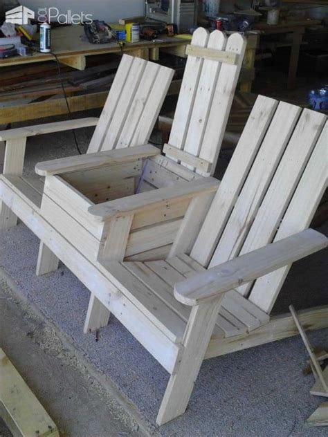 Jack-And-Jill-Pallet-Chair-Plans