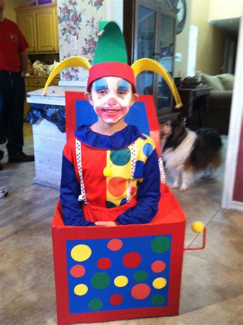 Jack-In-The-Box-Halloween-Costume-Diy