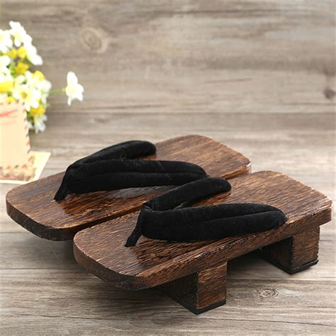 Japanese-Woodworking-Shoes