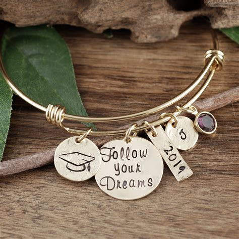 Jewelry As A Graduation Gift-Makes It Memorable One