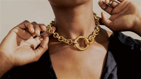 Jewelry Stores - A Safe Place To Sell Mother's Heirlooms