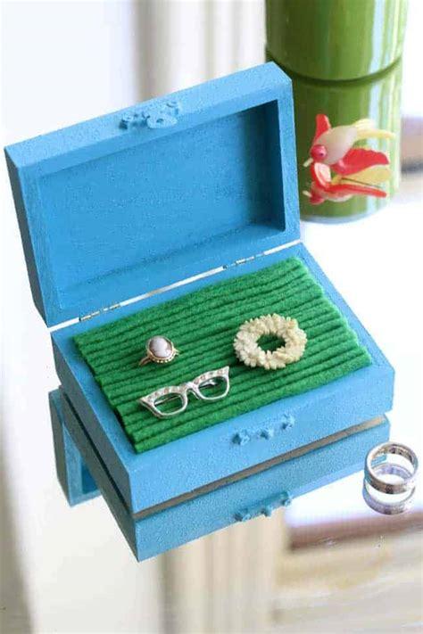 Jewelry-Box-Lining-Diy