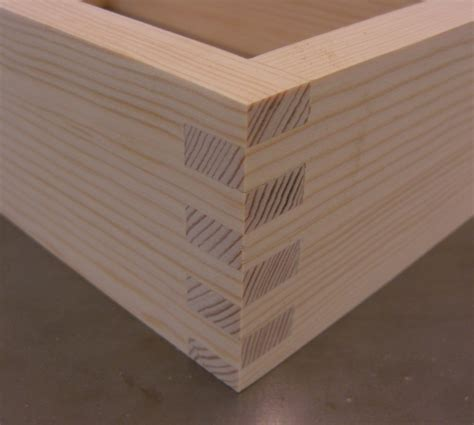 Joining-Corners-Woodworking