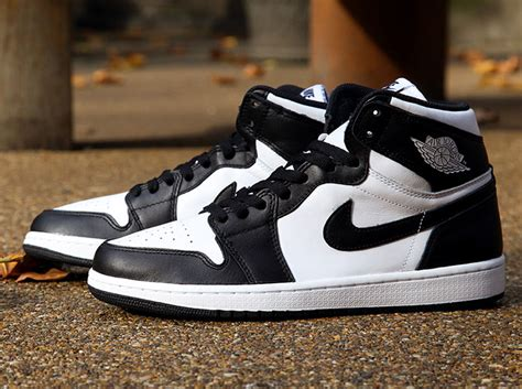 Jordan Retro 1 Mid Black/White-Black