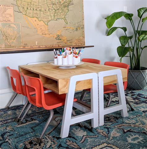 Kids-Art-Table-Plans
