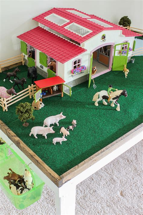Kids-Play-Farm-Table