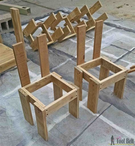 Kids-Table-And-Chairs-Plans-3-4-Plywoods