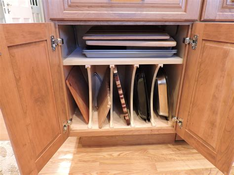 Kitchen-Cabinet-Vertical-Dividers-Woodworking