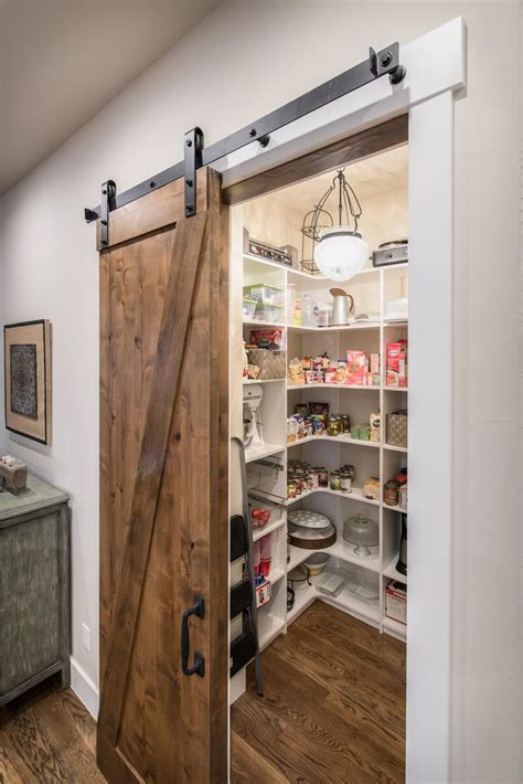 Kitchen-Floor-Plans-With-Walk-In-Pantry