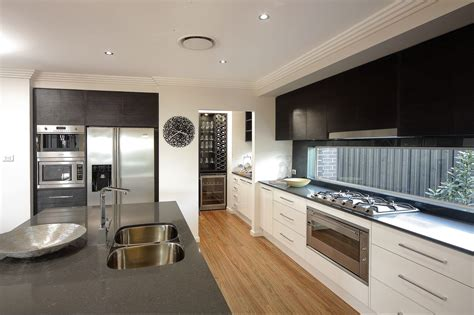 Kitchens-With-Butlers-Pantry-Plans
