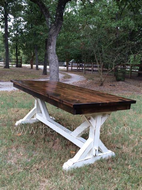 Knotty-Alder-Farm-Table