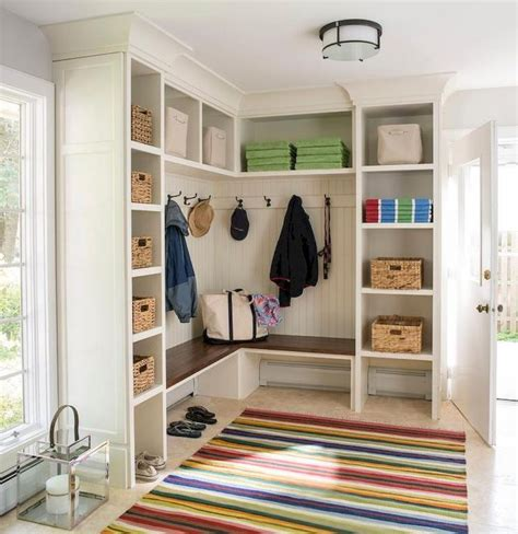 L-Shaped-Mudroom-Bench-Plans