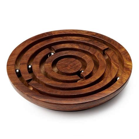 Labyrinth-Woodworks-And-Maze