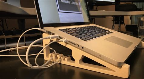 Laptop Stand Bed Diy