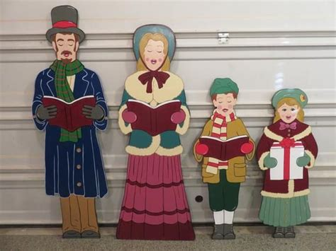 Large Wooden Christmas Carolers