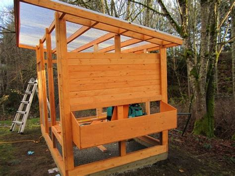 Large-Chicken-Coop-With-Roof-Plans