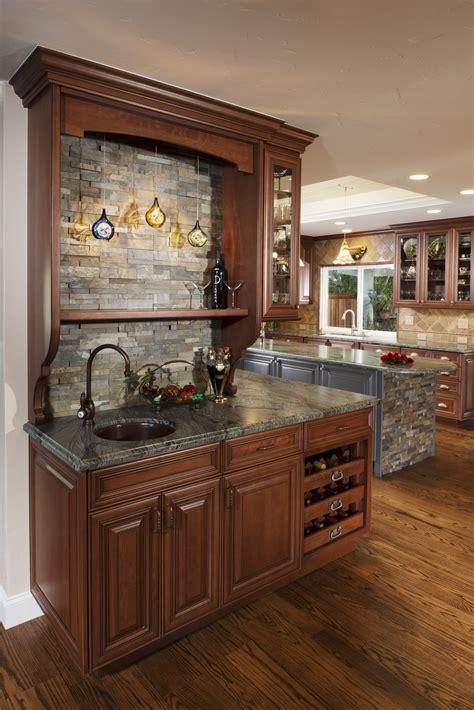 Large-Home-Plans-With-Wet-Bar
