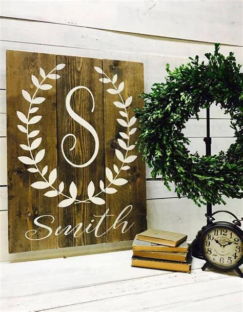 Last-Name-Rustic-Wood-Signs-Diy