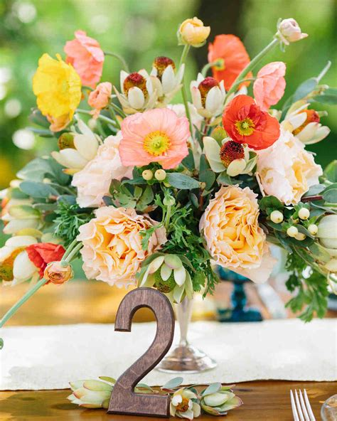 Lets Talk About Seasons and Your Wedding Flower Centerpieces!