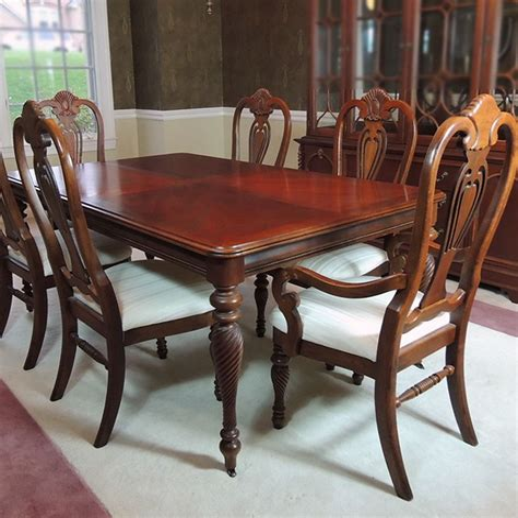 Lexington-Furniture-Farmhouse-Table