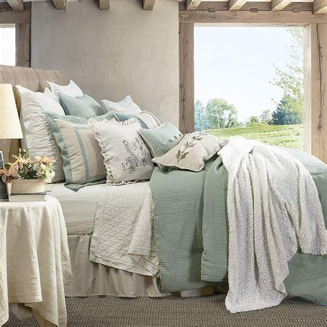 Light-Farmhouse-Bed-Set
