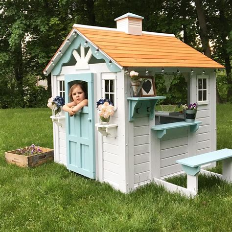 Little-Girl-Playhouse-Diy