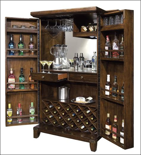 Locking-Liquor-Cabinet-Plans