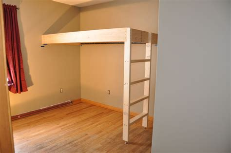 Loft-Bed-Attached-To-Wall-Plans