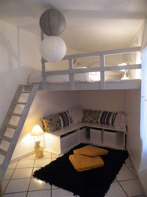Loft-Bed-With-Room-Underneath-Diy