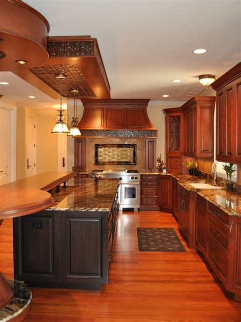 Long Kitchen Decorating Ideas