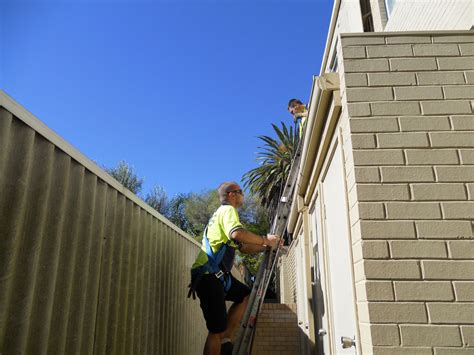 Lot of benefits you get when you hire the best gutter services