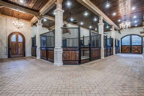 Luxury-Horse-Barn-Plans
