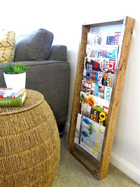 Magazine-Display-Rack-Diy