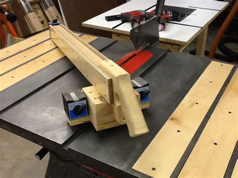 Magnetic-Fence-Woodworking
