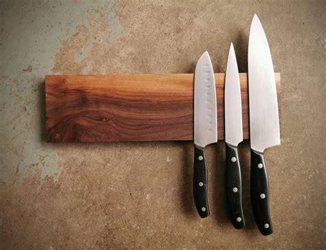 Magnetic-Knife-Holder-Woodworking