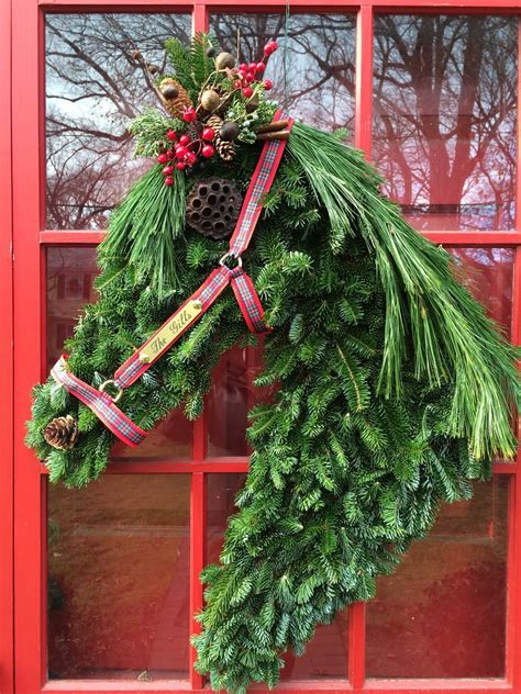 Make Horse Head Christmas Wreath