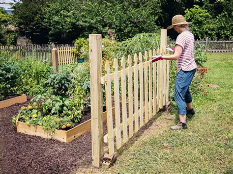 Make Your Own Picket Fence Panels