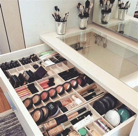 Makeup-Shelves-Diy