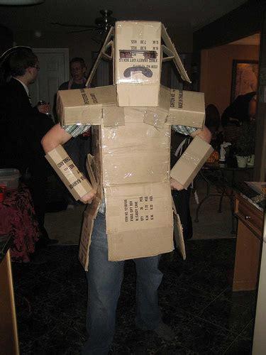 Man-In-A-Box-Halloween-Costume-Diy