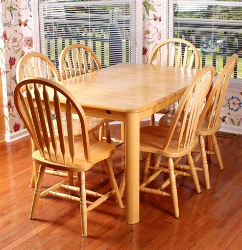 Maple Dining Room Table And 6 Chairs