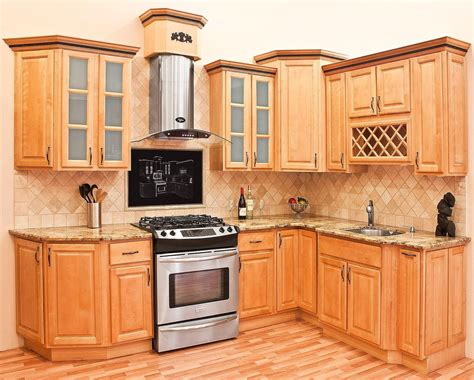 Maple Wood Cabinets Kitchen