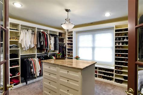 Master Walk In Closet Furniture Island