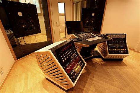Mastering-Desk-Plans