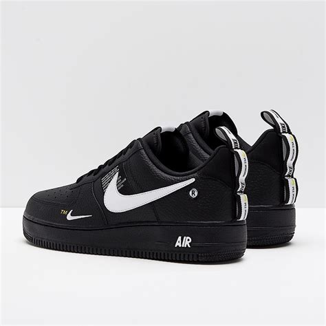 Men's Air Force 1 LV8 Leather Basketball Shoes