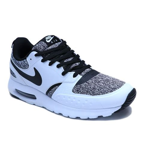 Men's Air Max Vision Running Shoe