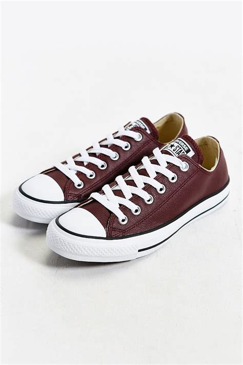 Men's Chuck Taylor All Star Leather Low Top Sneaker