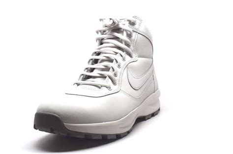 Men's Nike Manoadome Boots Light Bone/Dust