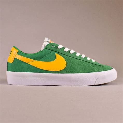 Men's SB Blazer Zoom Low Skate Shoe